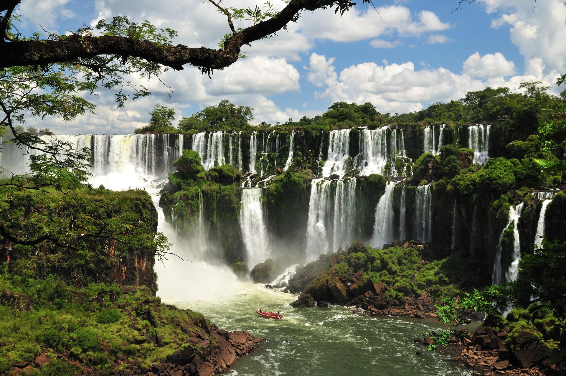 Фантастичният реализъм на Аржентина и Чили